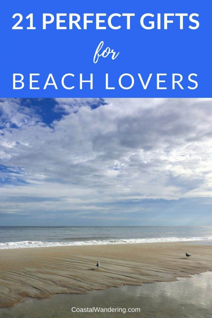 Perfect Gifts for People Who love The Beach | Do you know someone who loves the beach? These beach-inspired gifts will have them dreaming of enjoying the waves! | Beach decor, nautical decor and...