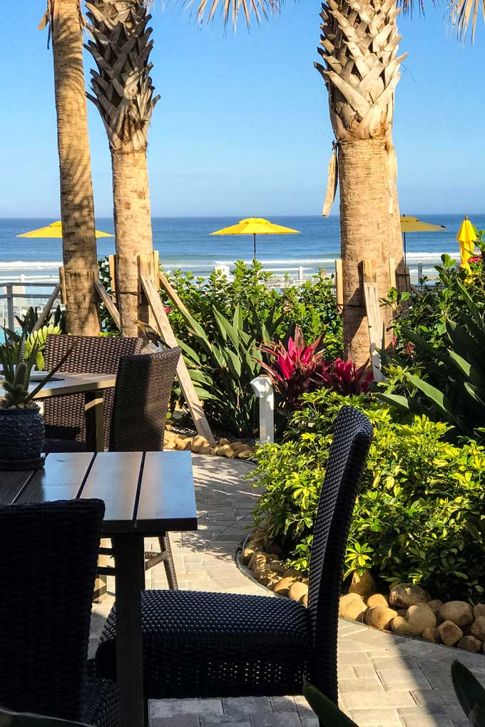 Beach side restaurant in Daytona Beach, Florida - Coastal Wandering