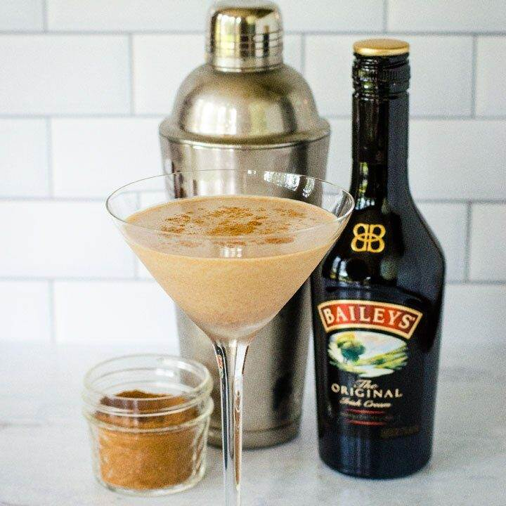 Pumpkin spice martini, cocktail shaker, Baileys, pumpkin pies pice