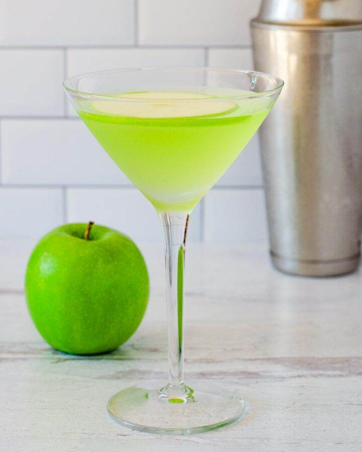 Green apple martini cocktail